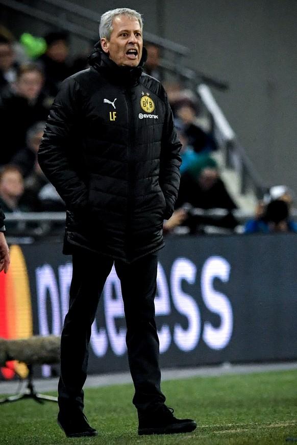 epa07367852 Dortmund's head coach Lucien Favre reacts during the UEFA Champions League round of 16 soccer match between Tottenham Hotspur and Borussia Dortmund at Wembley Stadium, Britain, 13 February 2019.  EPA/NEIL HALL