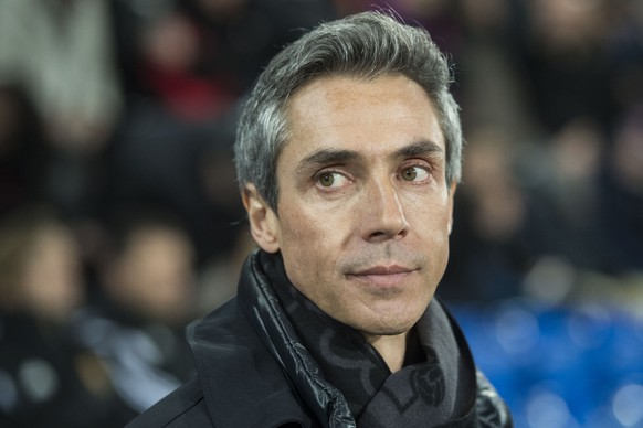 Basel's Portuguese head coach Paulo Sousa during an UEFA Champions League round of sixteen first leg soccer match between Switzerland's FC Basel 1893 and Portugal's FC Porto in the St. Jakob-Park stadium in Basel, Switzerland, on Wednesday, February 18, 2015. (KEYSTONE/Ennio Leanza)