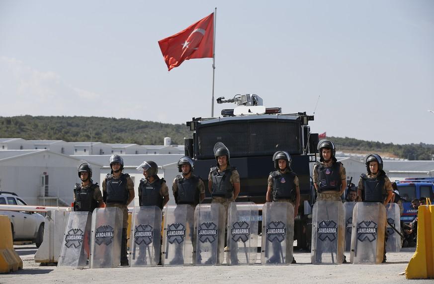 Hunderte Arbeiter bei Streik an Flughafen-Baustelle in Istanbul festgenommen