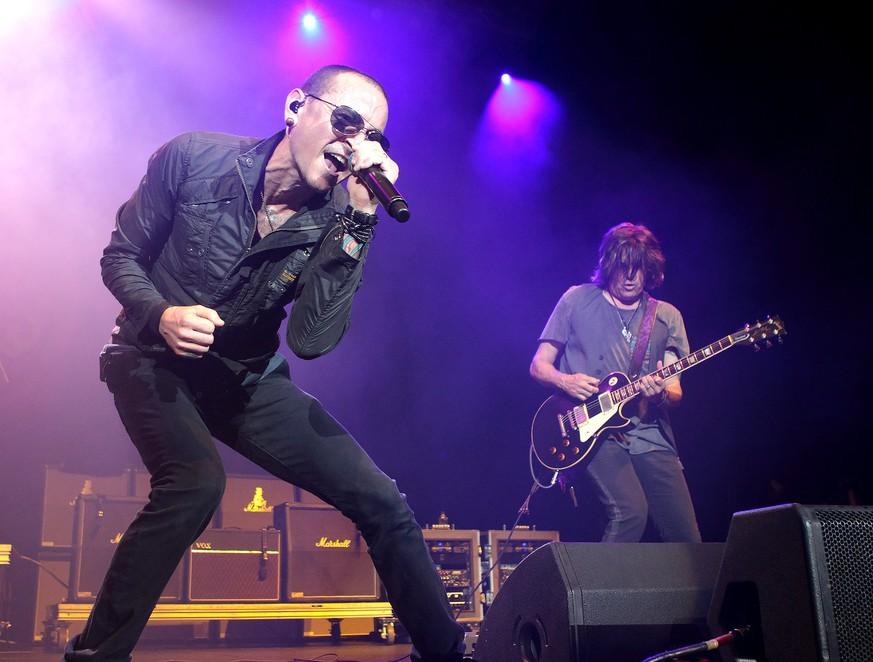 Linkin-Park-Sänger Chester Bennington soll sich erhängt haben