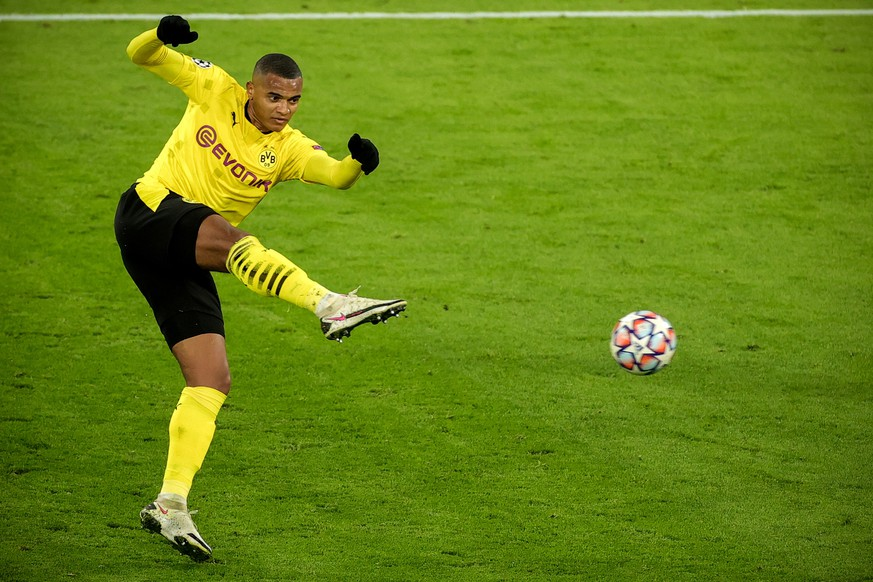 epa08840030 Dortmund's Manuel Akanji in action during the UEFA Champions League group F soccer match between Borussia Dortmund and Club Brugge in Dortmund, Germany, 24 November 2020.  EPA/FRIEDEMANN VOGEL / POOL