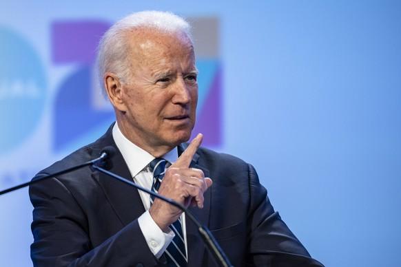 epa09319452 US President Joe Biden speaks during the National Education Association's annual meeting and representative assembly event in Washington, DC, USA, on 02 July 2021.  EPA/Samuel Corum / POOL