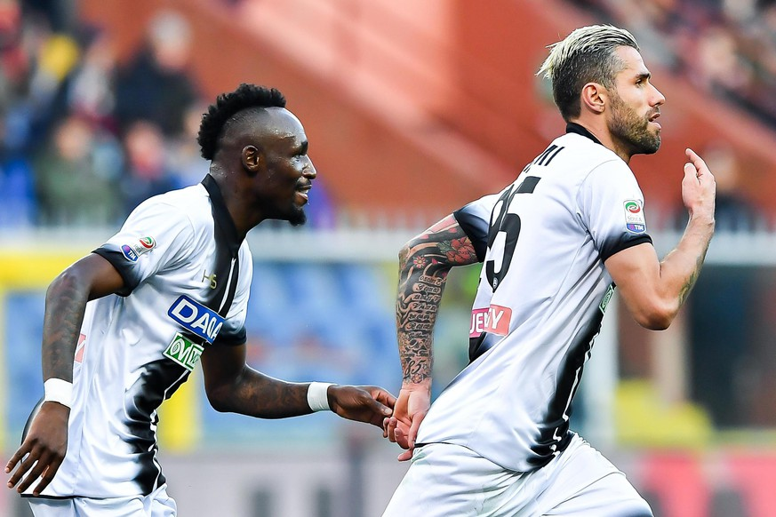 epa06481609 Udinese's Valon Behrami (R) celebrates scoring during the Italian Serie A soccer match between Genoa CFC and Udinese Calcio at Luigi Ferraris Stadium in Genoa, Italy, 28 January 2018.  EPA/SIMONE ARVEDA