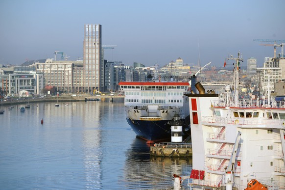 epa08878788 (FILE) - A view on a part of Dublin Port and the city in the background in Dublin, Ireland, 29 March 2019 (issued 12 December 2020). Brexit negotiations continue in Brussles before the 13 December deadline before Britain leaves the EU on 01 January 2021.  EPA/AIDAN CRAWLEY