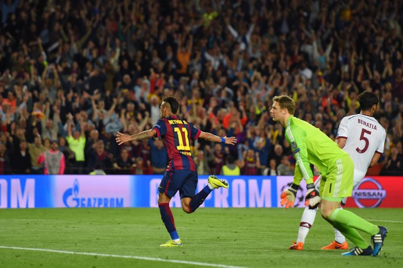 BARCELONA, SPAIN - MAY 06:  Neymar of Barcelona turns away to celebrate after scoring his team's third goal during the UEFA Champions League Semi Final, first leg match between FC Barcelona and FC Bayern Muenchen at Camp Nou on May 6, 2015 in Barcelona, Spain.  (Photo by Shaun Botterill/Getty Images)