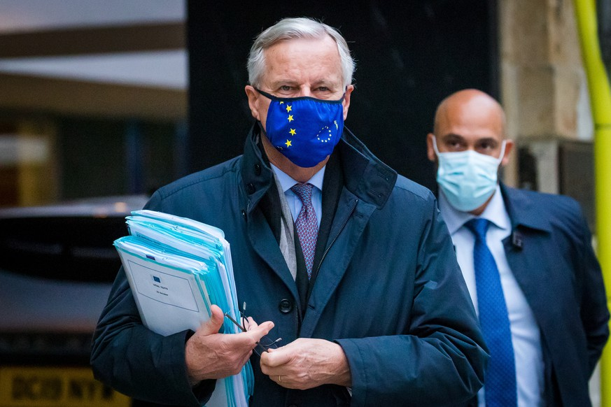 epa08769507 Chief Negotiator Michel Barnier walks from his hotel to a meeting in Westminster ahead for Brexit talks in London, Britain, 24 October 2020. British and EU negotiators are holding talks this week to try thrash out a Brexit deal before the looming October deadline.  EPA/VICKIE FLORES