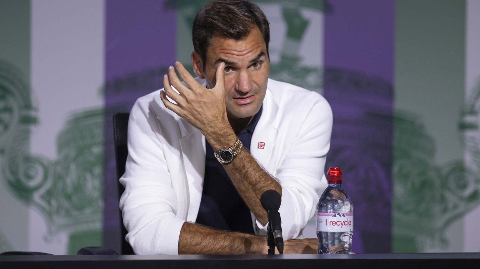 epa07683189 Roger Federer of Switzerland speaks during a press conference at the All England Lawn Tennis Championships in Wimbledon, London 29 June 2019.  EPA/PETER KLAUNZER EDITORIAL USE ONLY; NO SALES, NO ARCHIVES