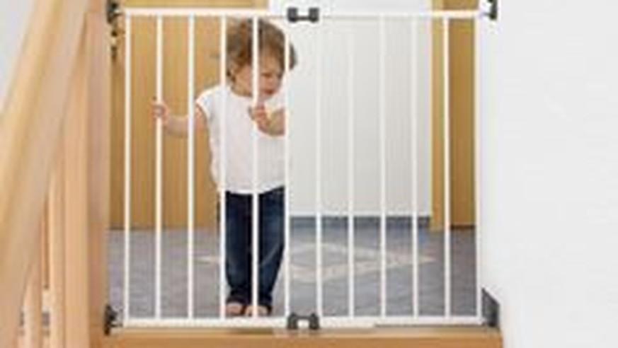 kinder verletzt ikea ruft schutzgitter zur ck watson. Black Bedroom Furniture Sets. Home Design Ideas