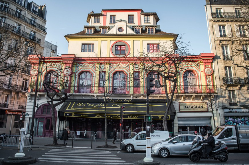 epa05216067 Bataclan theater venue prior to a French parliamentary enquiry commitee into possible security failings over two major terror attacks in Paris in 2015, visited the building in Paris, France, 17 March 2016. French parliamentary enquiry commitee visits the Bataclan concert hall in Paris where jihadist gunmen killed 90 people in November 2015.  EPA/CHRISTOPHE PETIT TESSON