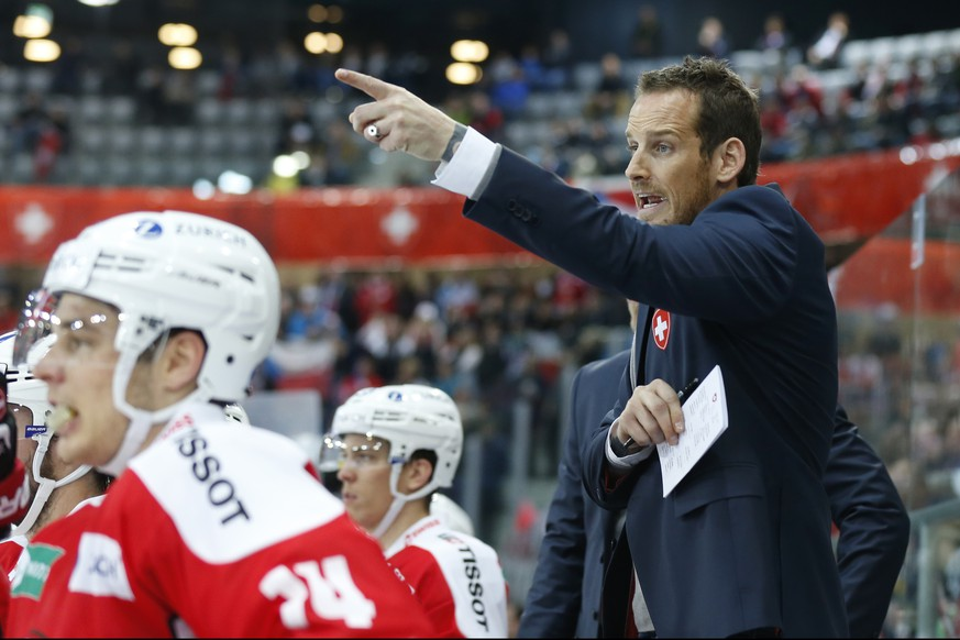 Switzerland's head coach Patrick Fischer reacts during a friendly ice hockey game between Switzerland and the Czech Republic, at the Tissot Arena in Biel, Switzerland, Friday, April 15, 2016. (KEYSTONE/Peter Klaunzer)