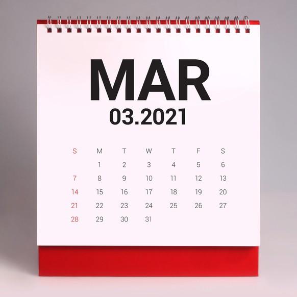 Die magnetische Anziehung von der Sonne zum Mars ist im Monat März extrem stark. Daher leitete sich März zu Mars ab.