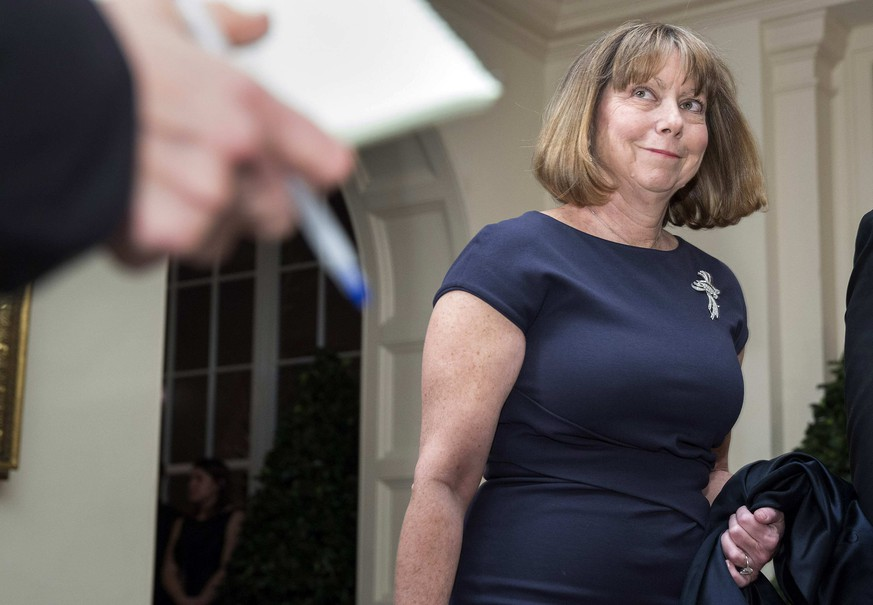 Jill Abramson, executive editor of The New York Times, arrives for the State Dinner held for French President Francois Hollande at the White House in Washington February 11, 2014.      REUTERS/Joshua Roberts    (UNITED STATES - Tags: MEDIA BUSINESS POLITICS)