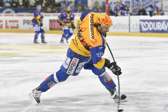 Andres Ambuehl von Davos, beim vierten Playoff-Halbfinalspiel der National League A zwischen dem HC Davos und EV Zug, am Dienstag, 28. Maerz 2017, in der Vaillant Arena in Davos. (PPR/Gian Ehrenzeller)