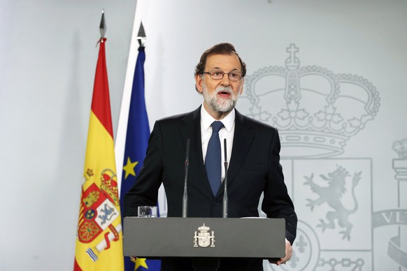 epa06238987 Spanish Prime Minister Mariano Rajoy gives a press statement on the Catalonia independence referendum '1-O Referendum' in Madrid, Spain, 01 October 2017. Spanish National Police officers and Civil guards have been deployed to prevent the people from entering to the polling centers to vote in the Catalan independence referendum, that has been banned by the Spanish Constitutional Court, but many people have managed to do it. The police action has provoked clashes between pro-independence people and the police forces in some polling stations.  EPA/JJ GUILLEN