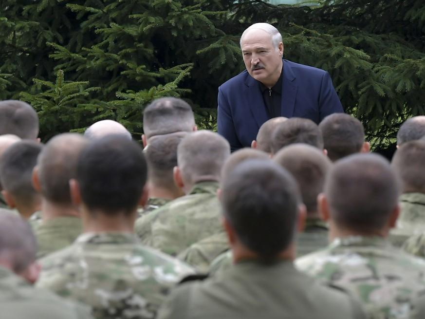 Weißrussland - Zehntausende Menschen demonstrierten gegen Lukaschenko