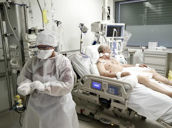 Die Zahl der neu mit dem Coronavirus infizierten Personen steigt in Frankreich weiter rasant. (Archivbild)