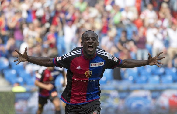Basel's Seydou Doumbia cheers after scoring during a Super League match between FC Basel 1893 and FC Sion, at the St. Jakob-Park stadium in Basel, Switzerland, on Sunday, July 24, 2016. (KEYSTONE/Georgios Kefalas)