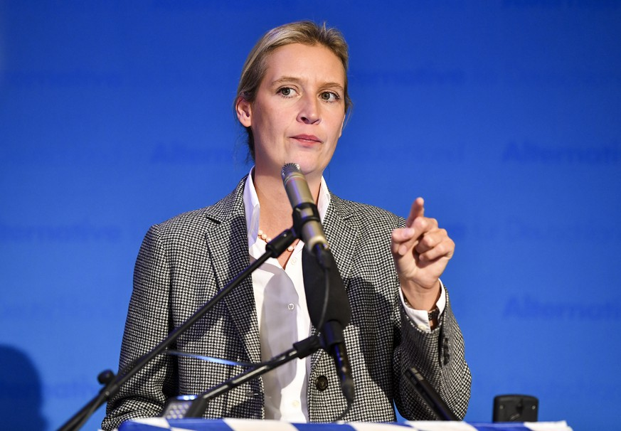 epa07093192 Chairman of the Alternative for Germany party (AfD) faction Alice Weidel delivers a statement during the Bavaria state elections in Mamming, Germany, 14 October 2018. According to the Bavarian state election commissioner some 9.5 million people were eligible to vote in the regional elections for a new parliament in the southern German state of Bavaria. According to first initial exit polls AfD party received 11 percent of votes.  EPA/LENNART PREISS