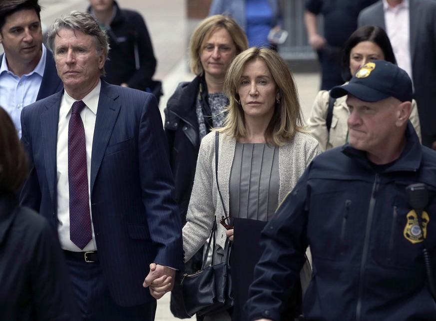 Betrugsskandal an US-Unis: Felicity Huffman plädiert auf schuldig