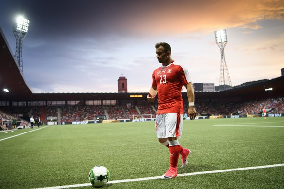 Swiss forward Xherdan Shaqiri walks with the ball during a friendly soccer match on the side line of the 2018 Fifa World Cup group B qualification between Switzerland and Belarus at the Stadium Maladiere, in Neuchatel, Switzerland, Thursday, June 1, 2017. (KEYSTONE/Laurent Gillieron)