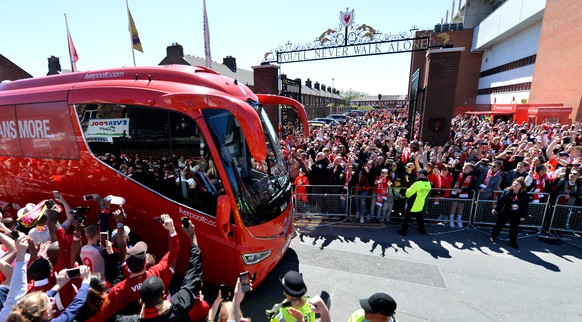 epa07564364 Liverpool's team bus arrives at the stadium before the English Premier League soccer match between Liverpool FC and Wolverhampton Wanderers FC at Anfield, Liverpool, Britain, 12 May 2019.  EPA/PETER POWELL EDITORIAL USE ONLY. No use with unauthorized audio, video, data, fixture lists, club/league logos or 'live' services. Online in-match use limited to 120 images, no video emulation. No use in betting, games or single club/league/player publications