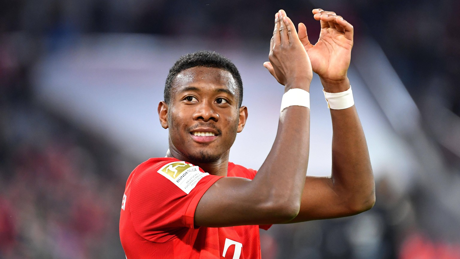 David ALABA Bayern Muenchen koennte den FC Bayern verlassen. Archivfoto: David ALABA Bayern Muenchen, Gestik, klatscht Applaus, Einzelbild,angeschnittenes Einzelmotiv,Portraet,Portrait,Portr t. Fussball 1. Bundesliga,23.Spieltag,Spieltag23, FC Bayern Muenchen M - SC Paderborn PB 3-2, am 21.02.2020 in Muenchen A L L I A N Z A R E N A, DFL REGULATIONS PROHIBIT ANY USE OF PHOTOGRAPHS AS IMAGE SEQUENCES AND/OR QUASI-VIDEO.  *** David ALABA Bayern Muenchen could leave the FC Bayern Archivfoto David ALABA Bayern Muenchen , gesture, applause, applause, single picture, cut single motive, portrait, portrait, portrait of football 1 Bundesliga,23 Matchday,Matchday23, FC Bayern Muenchen M SC Paderborn PB 3 2, on 21 02 2020 in Munich A L L I A N Z A R E N A, DFL REGULATIONS PROHIBIT ANY USE OF PHOTOGRAPHS AS IMAGE SEQUENCES AND OR QUASI VIDEO
