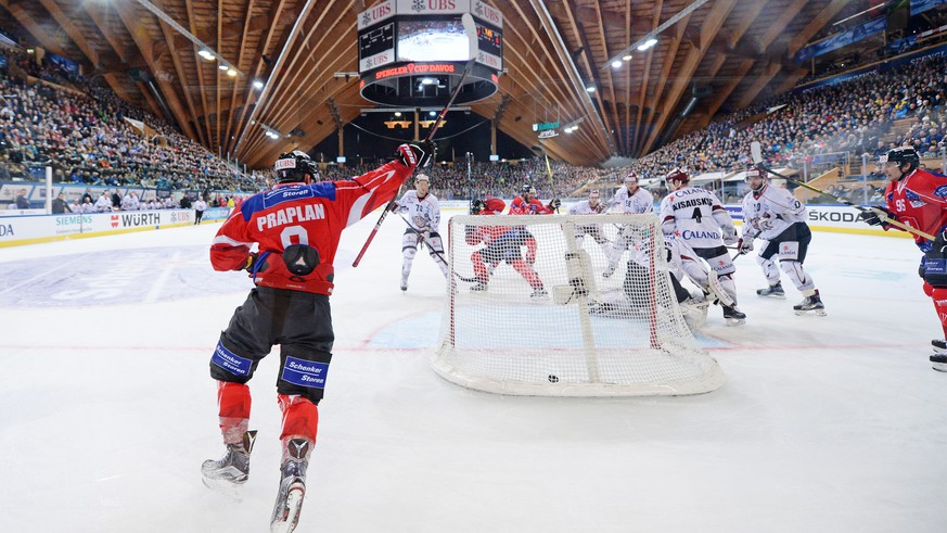 Team Suisse Player Vincent Praplan celebrates after the 3-0 during the game between Team Suisse and Dinamo Riga at the 91th Spengler Cup ice hockey tournament in Davos, Switzerland, Tuesday, December 26, 2017. (Keystone/Melanie Duchene)