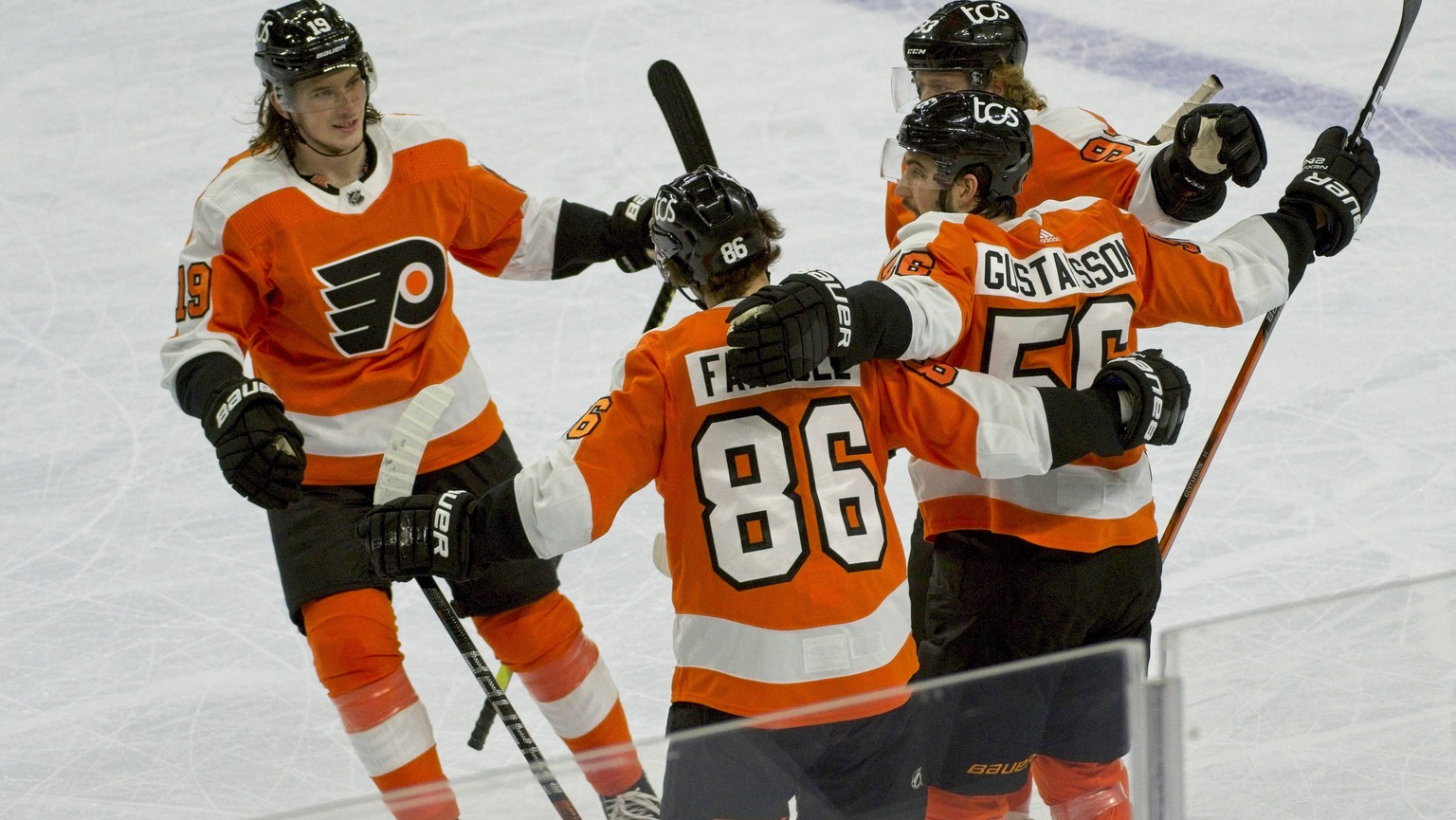 PHILADELPHIA, PA - JANUARY 13: Philadelphia Flyers Center Nolan Patrick 19 celebrates his goal during the game between the Pittsburg Penquins and the Philadelphia Flyers on January 13, 2021 at Wells Fargo Center in Philadelphia, PA. Photo by Andy Lewis/Icon Sportswire NHL, Eishockey Herren, USA JAN 13 Penguins at Flyers Icon210113075