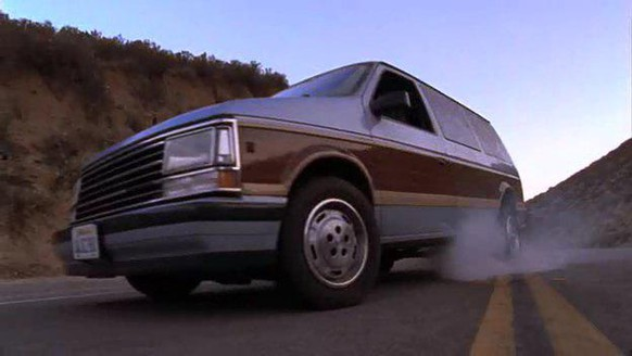 1990 Plymouth Grand Voyager LE Malcolm In the Middle auto serien https://www.imcdb.org/movie_212671-Malcolm-in-the-Middle.html
