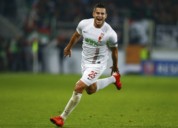 Augsburg's Raul Bobadilla celebrates after scoring a goal during their Europa League group L soccer match against in Augsburg November 5, 2015.   REUTERS/Michaela Rehle