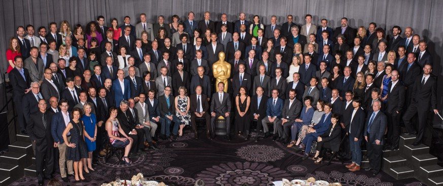 epa04602351 A handout image provided by the Academy of Motion Picture Arts and Sciences on 03 February 2015 shows the nominees posing during the 87th Oscars Nominees Luncheon at the Beverly Hilton, Beverly Hills, California, USA, 02 February 2014. The Academy Awards, hosted by US actor Neil Patrick Harris (front row-C), will air on 22 February.  EPA/TODD WAWRYCHUK / HANDOUT MANDATORY CREDIT A.M.P.A.S./ TODD WAWRYCHUK; ONE TIME USE ONLY; MAY ONLY BE REPRODUCED IN CONNECTION WITH THE EVENT  EDITORIAL USE ONLY/NO SALES/NO ARCHIVES