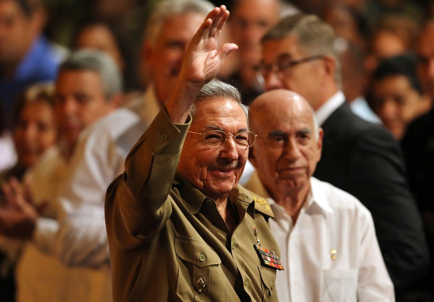 epa06314775 President of Cuba Raul Castro attends an event to commemorate the 100 year anniversary of the Bolshevik Revolution, an event that led to the creation of the Soviet Union, in Havana, Cuba, 07 November 2017.  EPA/ALEJANDRO ERNESTO