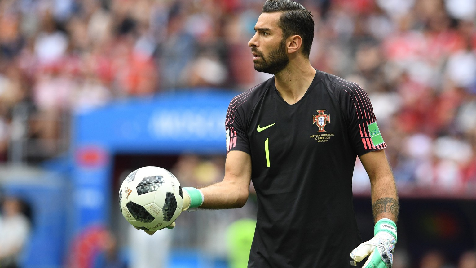 epa06824454 Goalkeeper Rui Patricio of Portugal during the FIFA World Cup 2018 group B preliminary round soccer match between Portugal and Morocco in Moscow, Russia, 20 June 2018.