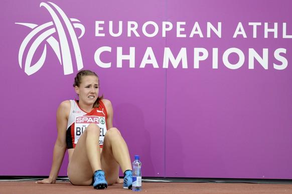 Selina Buechel from Switzerland reacts after the women's 800m semifinal race, at the third day of the European Athletics Championships in the Letzigrund Stadium in Zurich, Switzerland, Thursday, August 14, 2014. (KEYSTONE/Steffen Schmidt)