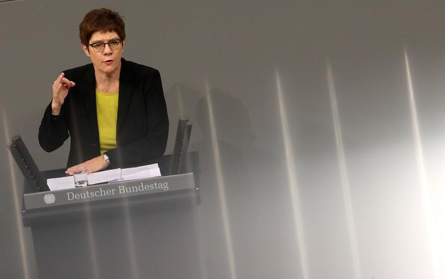 Kramp-Karrenbauer lehnt Neuverhandlung des Koalitionsvertrags ab