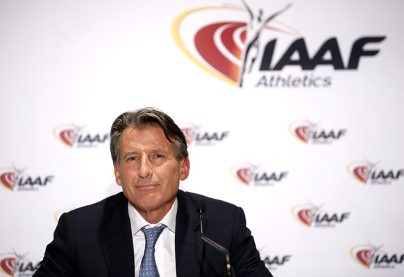 epa05655498 IAAF President Sebastian Coe of Britain speaks during a press conference of the 204rd IAAF Council meeting in Monaco, 01 December 2016.  EPA/SEBASTIEN NOGIER