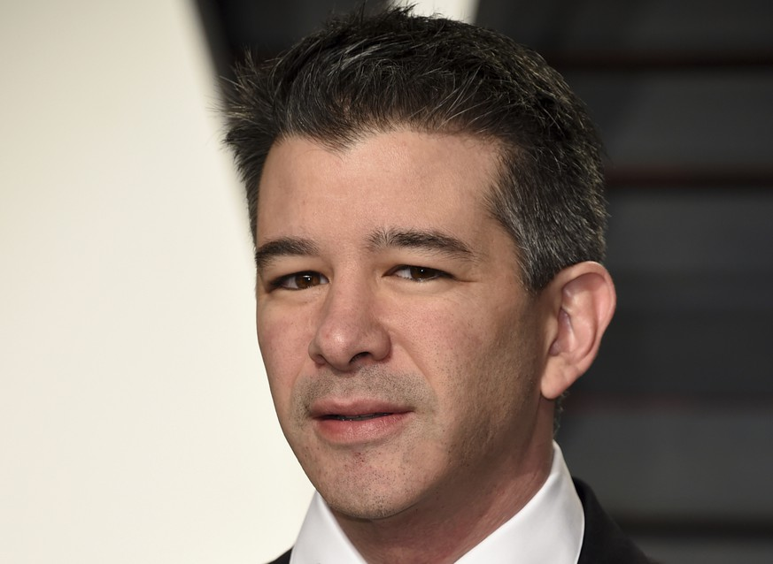 ARCHIVBILD ZUM RUECKTRITT VON UBER-CHEF TRAVIS KALANICK AM MITTWOCH, 21. JUNI 2017 - FILE - In this Sunday, Feb. 26, 2017, file photo, Uber CEO Travis Kalanick arrives at the Vanity Fair Oscar Party in Beverly Hills, Calif. Kalanick will take a leave of absence for an unspecified period and let his leadership team run the troubled ride-hailing company while he's gone. Kalanick told employees about his decision Tuesday, June 13, 2017, in a memo. (Photo by Evan Agostini/Invision/AP, File)