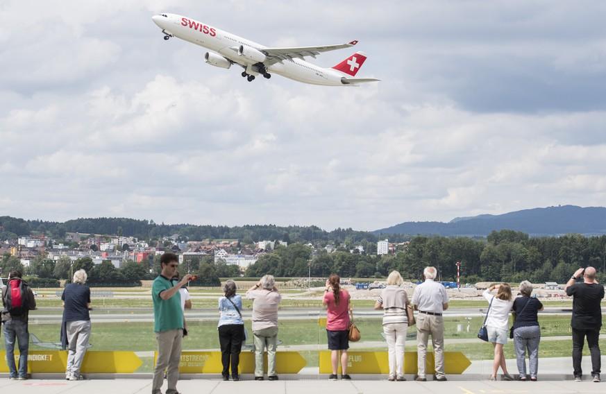 CO2-Abgabe auf Flugtickets: Nun unterstützt auch die Reisebranche die Idee
