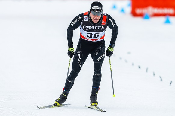 TOBLACH, ITALY - JANUARY 8: (FRANCE OUT) Dario Cologna of Switzerland competes during the FIS Nordic World Cup Men's and Women's Cross Country Tour de Ski on January 8, 2016 in Toblach Hochpustertal, Italy. (Photo by Stanko Gruden/Agence Zoom/Getty Images)