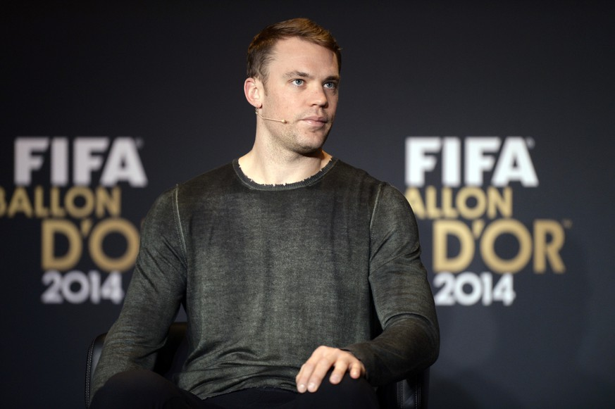 Manuel Neuer of Germany, one of the nominees for the FIFA Ballon d'Or 2014 award, attends a press conference prior to the FIFA Ballon d'Or awarding ceremony at the Kongresshaus in Zurich, Switzerland, Monday,  January 12, 2015. (KEYSTONE/Walter Bieri)