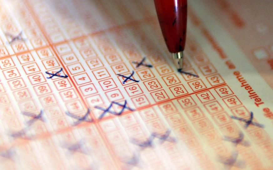 sechs richtige im lotto spielen ab und zu