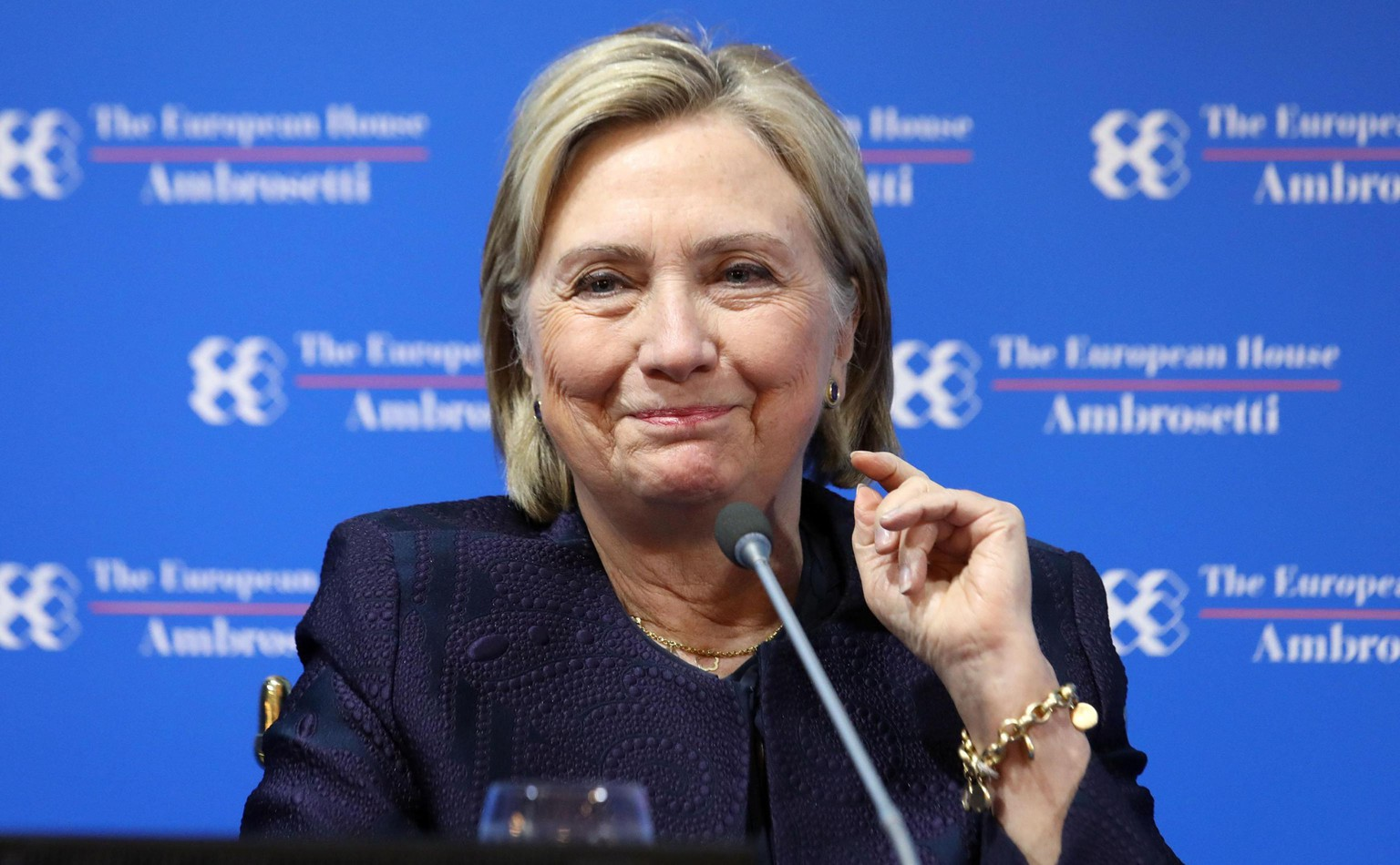 epa07825910 Hillary Rodham Clinton attends during the forum the European house Ambrosetti held in Cernobbio, Italy, 07 September 2019. The 45th editiion edition of the annual international economic conference takes place from 06 to 08 September 2019.  EPA/MATTEO BAZZI
