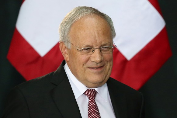 Swiss President Johann Schneider-Ammann smiles as he attends a welcome ceremony at the National Palace in Mexico City, Mexico, November 4, 2016. REUTERS/Edgard Garrido