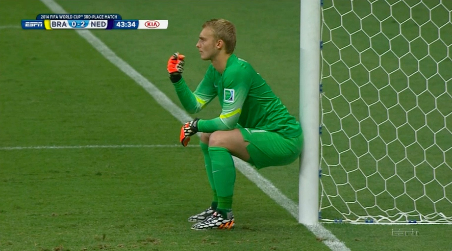 Goalkeeper Jasper Cillessen of the Netherlands waits for a kick free during the 2014 World Cup third-place playoff between Brazil and the Netherlands at the Brasilia national stadium in Brasilia July 12, 2014. REUTERS/Ueslei Marcelino (BRAZIL  - Tags: SOCCER SPORT WORLD CUP)