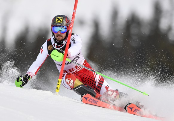 epa07376661 Marcel Hirscher of Austria clears a gate during the first run of the Men's Slalom race at the 2019 FIS Alpine Skiing World Championships in Are, Sweden, 17 February 2019.  EPA/ANDERS WIKLUND  SWEDEN OUT