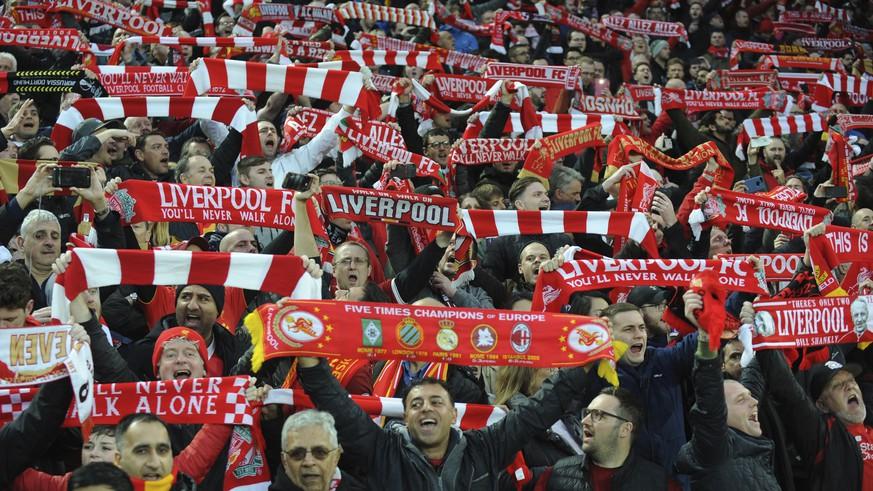 Champions League: Die Hymnen der Achtelfinalisten im Duell – entscheide, wer gewinnt!
