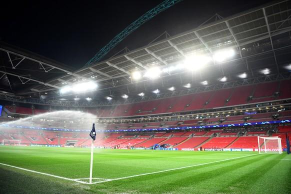 epa07367504 The stadium ahead of the UEFA Champions League round of 16 soccer match between Tottenham Hotspur and Borussia Dortmund at Wembley Stadium, Britain, 13 February 2019.  EPA/NEIL HALL