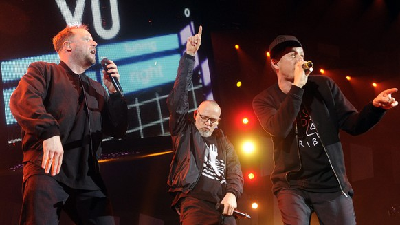 epa04552792 German hip hop group Die Fantastischen Vier, also known as Fanta 4, performs on stage during a concert at the Wiener Stadthalle in Vienna, Austria, 09 January 2015.  EPA/HERBERT PFARRHOFER
