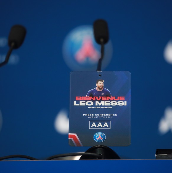 epa09409373 The podium prior to the official presentation of Argentinian striker Lionel Messi at the Parc des Princes stadium, in Paris, France, 11 August 2021. Messi arrived in Paris on 09 August and signed a contract with French soccer club Paris Saint-Germain.  EPA/CHRISTOPHE PETIT TESSON