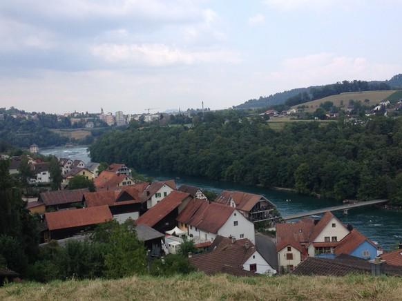 Nohl in der Gemeinde Laufen-Uhwiesen grad unterhalb des Rheinfalls auf der nördlichen Flussseite gehört zum Kanton Zürich.
